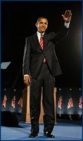 Obama - alone on stage