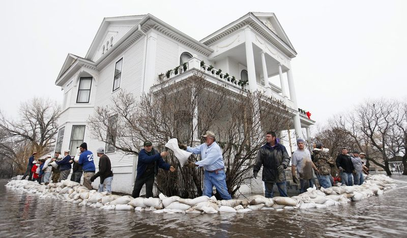 Fargo home with sandbags