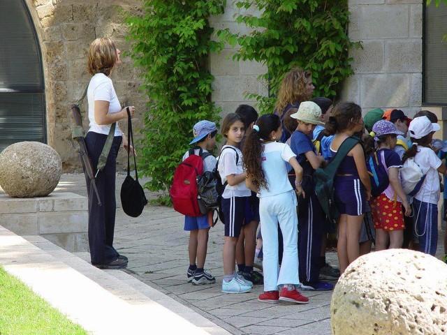 Israeli teacher with gun