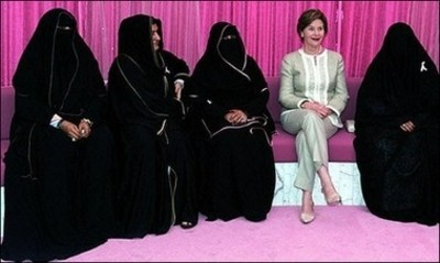 Laura_with_burka_clad_women_4